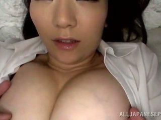 Würzig thai female has ein den mund voll nach clam thrashing