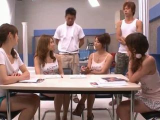 Asijské coura sucks rod