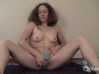 Curly haired nina prstovanie ju slick quim