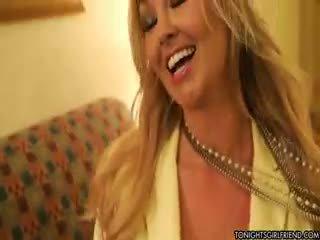 pěkný velká prsa, pěkný nylon velký, vy blondýnka online