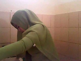 Ispiya gagal jilbab hijau