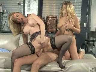 Nina hartley bounces onu moist p.