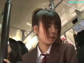 Ofisas ponia stimulated su vibratorius giving čiulpimas apie jos knees apie the autobusas