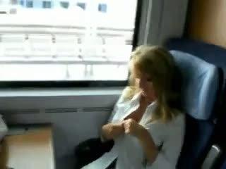 Szex tovább vonat videó