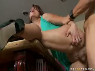 briunetė, big boobs