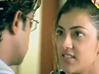 Telugu nữ diễn kajol agarwal hiển thị ngực