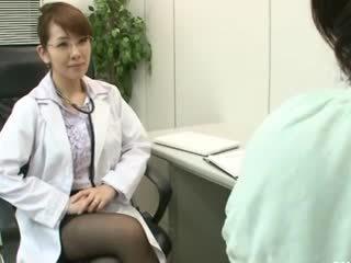 Лесбийки gynecologist 2 част 1