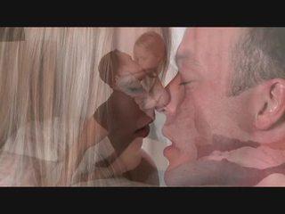 Seksikas blond receives suur riist