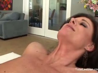 Nina hartley & charli piper זיון