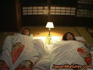 Chisato shouda e mahnitshme moshë e pjekur japoneze part5