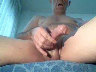 Spycam masturbates κοιτώντας πορνό, extrem οργασμός!