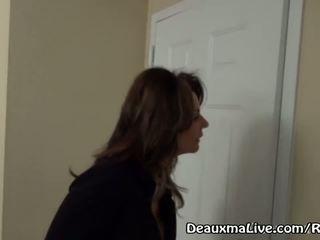 Matang milf deauxma panggilan lesbian pengiring kepada datang fuck beliau!