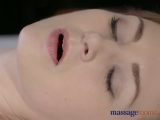 Masáž rooms krásný bledý skinned maminka squirts pro the velmi první čas - porno video 901