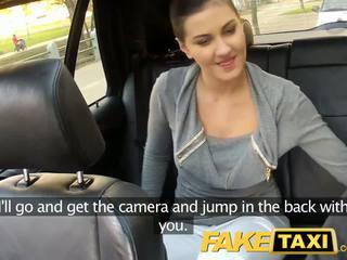 Faketaxi बॅक्सीट सेक्स पर पब्लिक roadside