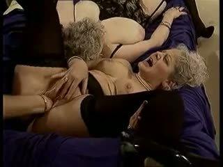 Um nous les mamies: grátis vovó porno vídeo ad