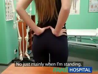 Fakehospital doktor creampies hot atletisk student med utrolig kroppen