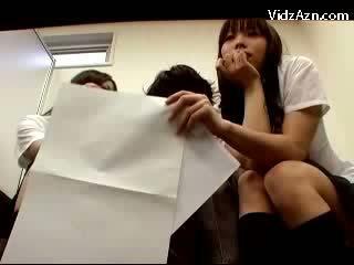 2 dolls চোষা guy হার্ডকোর যখন waiting জন্য ঐ teachers মধ্যে ঐ অফিস