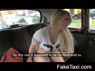 Fake taxi kamera orang-orang having drx om fake taxi