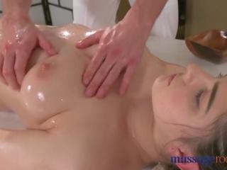 Masáž rooms príťažlivé bruneta has squirting orgazmus pred dobrý jebanie