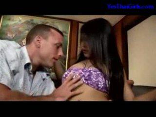 التايلاندية فتاة مص كوك getting لها كس مارس الجنس في ال قاع