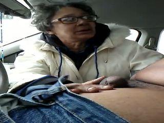 Babičky děvka gumjob spolknout, volný připojenými opčními v ústa vysoká rozlišením porno f2