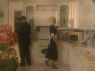 Anita blond inpulit în the kichen video