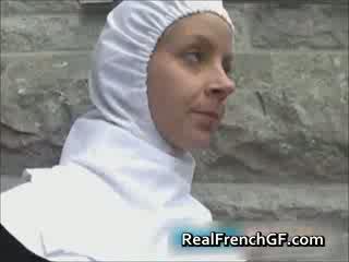 Slutty คนฝรั่งเศส แม่ชี ระยำ ด้านนอก โป๊