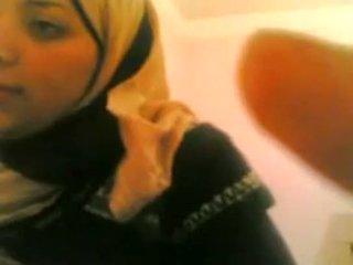 Arab 女孩 gets 性交 由 白 guy 生活 @ www.slutcamz.xyz