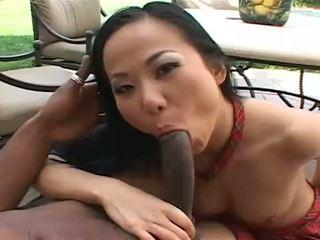 E bukur aziatike niya gets spermë të gjithë mbi të saj fytyra