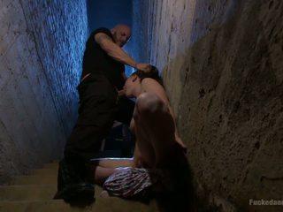 The špatně stairwell: volný kink vysoká rozlišením porno video 28