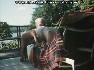 늙은 사람 fucks younng 레트로 여자