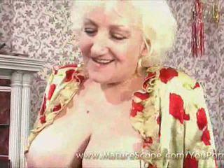 mamie, gros seins, bas