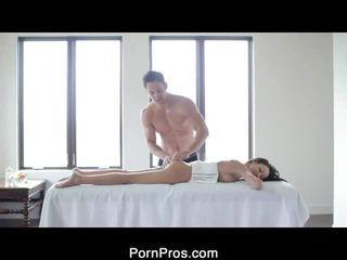 Сексуальна breanne oily масаж