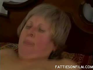 Stambus vyresnis pupytė offers jos plaukuotas puss