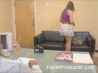 Mia golds الأول الإباحية أبدا مع ال fakeproducer