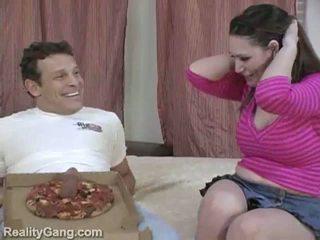 Grande sausage pizza: monstro peitos morena momma para delivery caralho