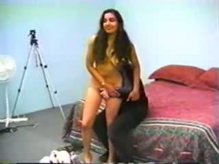 Haarig indisch dame gefickt, kostenlos amateur porno e5