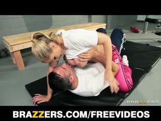 Dominant شقراء trainer julia ann gets ل خير عميق سخيف
