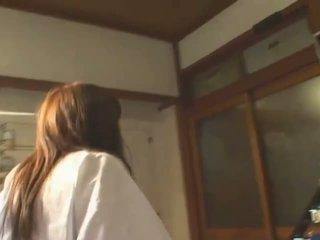 Busty á châu hitomi tanaka trong công khai bath