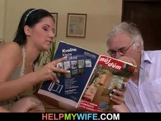 Hubby calls en guy till fan hans hustru