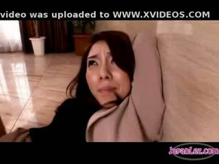 Азіатська дівчина в колготки getting її arms tied манда fingered