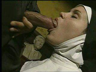 Nonne gets gefickt und takes ins gesicht - holy god!