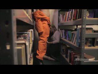 Force sexe en la geôle bibliothèque http://frtyb.com/go/bodnc uxkc/sexeviolent.wmv