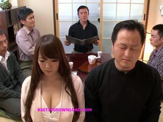 Ázsiai nagy cicik szexi pózolás, ingyenes japán porn lehet