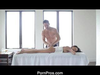 Hot Breanne Oily Massage