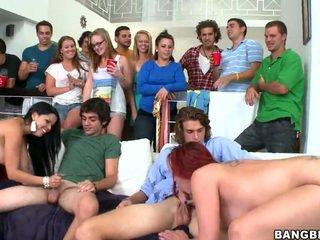 Actresses crash un alt petrecere