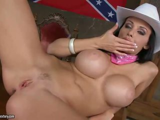 General Aletta Ocean masturbating