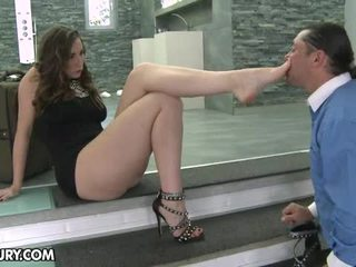 פטיש ברגל, רגליים סקסיות, footjob