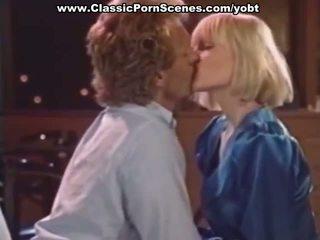 Секси блондинки е възбуден