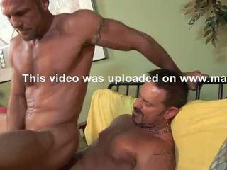 Str8 hung 6'7'' firefighter has गे सेक्स.